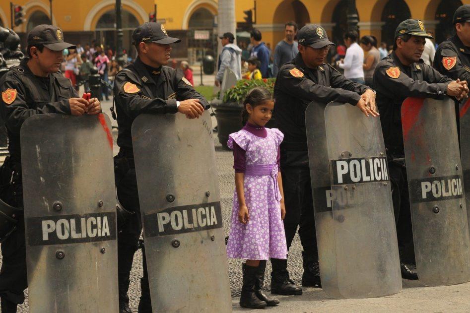 Politi og Bistand