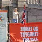 Blant talerne på PDKs arrangement var Tonje Omdal, som fortalte om sin erfaring med barnevernet og en ødelagt oppvekst som en følge av hvordan hun og familien er blitt behandlet.